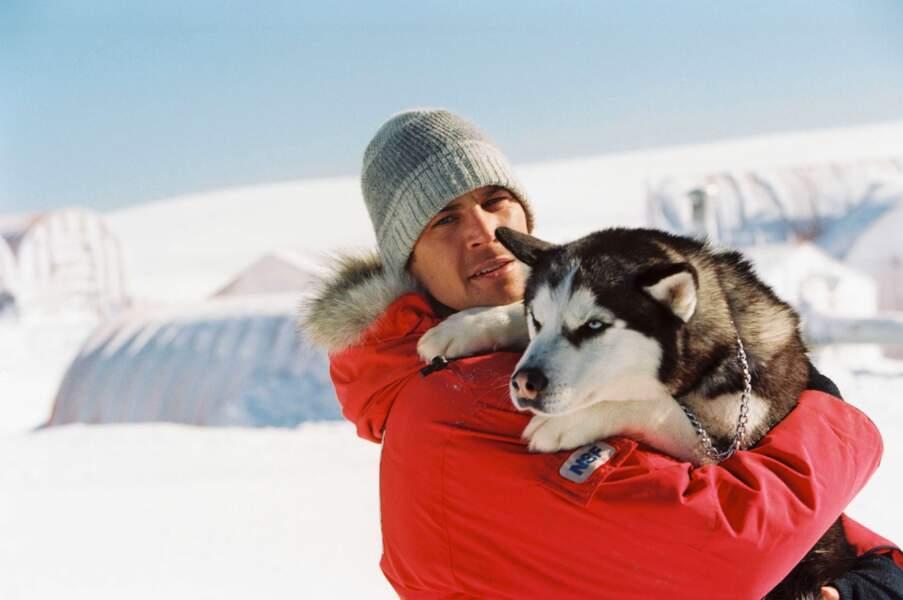 ANTARTICA, PRISONNIERS DU FROID (2005) : Paul Walker sauvé par ses fidèles huskies