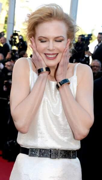 Nicole Kidman tente le lifting manuel, moins efficace, mais tellement plus naturel...