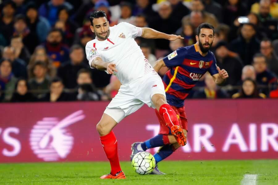Après Lille, Valence et Milan, Adil Rami est maintenant installé à Séville