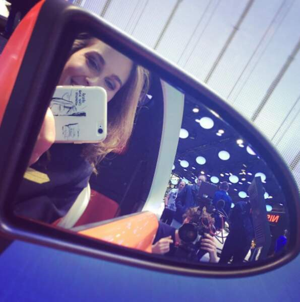 Selfie retroviseur de voiture, ça c'est la classe !