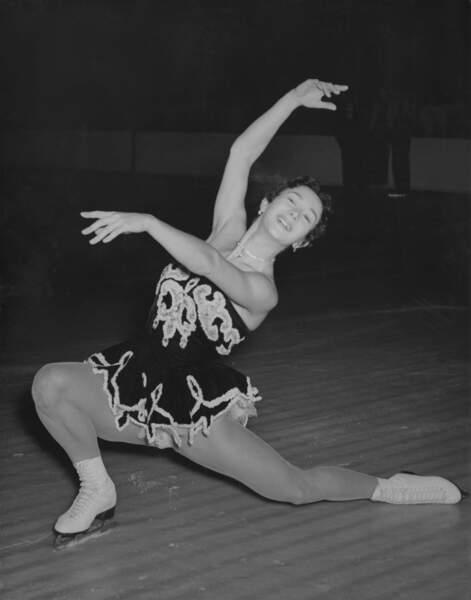 Jacqueline Du Bief a décroché l'or en 1952 devant une foule parisienne en liesse