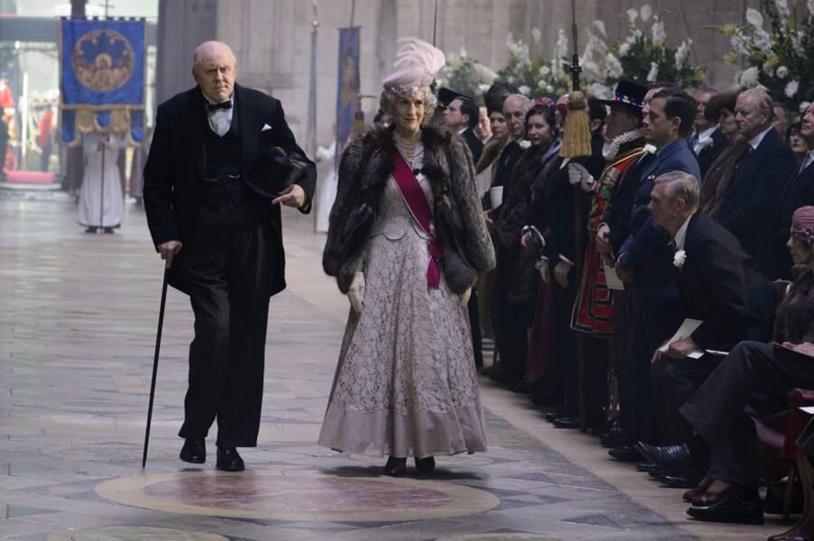 ...même si dans la série, celle-ci n'a pas l'air ravi d'être de retour au 10 Downing Street