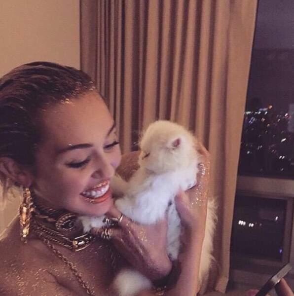 Miley Cyrus et son chaton...