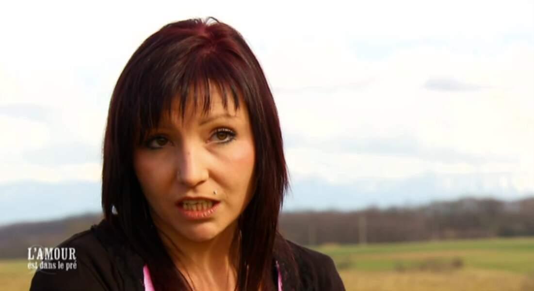 Caroline, délaissée par Bertrand au profit de Justine, revient avec amertume sur cette expérience...