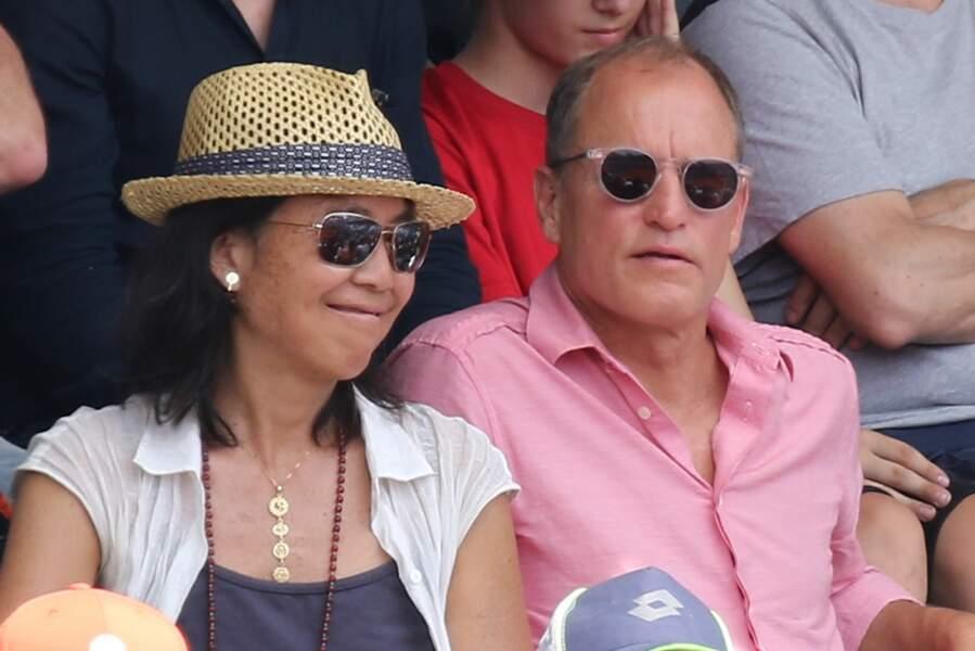 L'acteur américain Woody Harrelson et son épouse Laura Louie