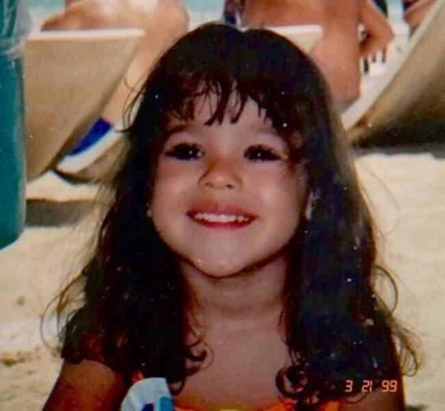 Et voici Danna Paola en 1999 alias Lu dans la série espagnole Elite.