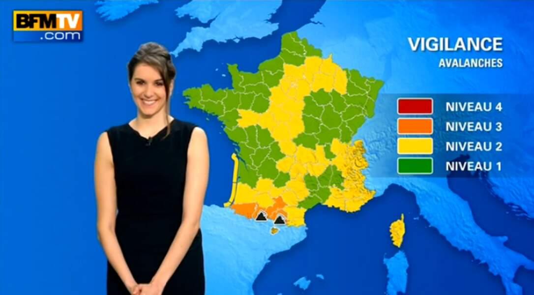 Fanny Agostini, la météo girl de BFMTV, présente ses bulletins toujours de bonne humeur