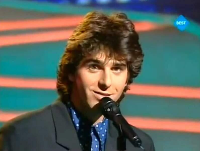 """En 1993, Patrick Fiori chante """"Mama Corsica"""" pour la France"""