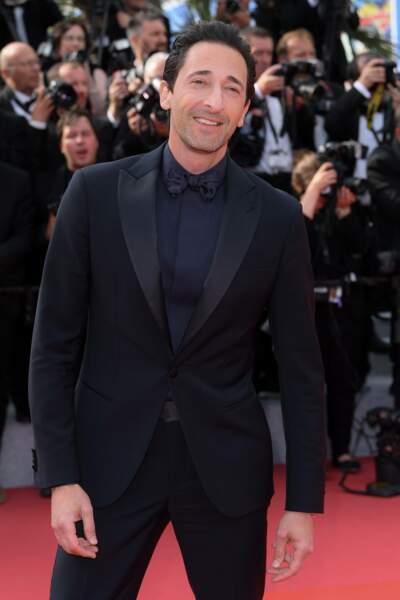 Adrian Brody très chic dans son costume