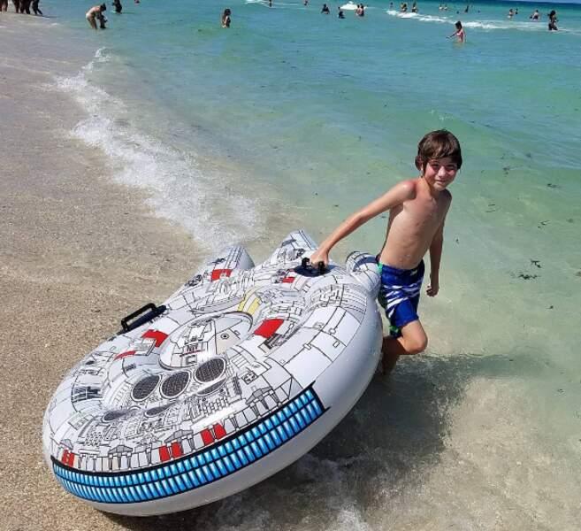 Accro à Star Wars, le petit Jacob Tremblay (Room) a opté pour ce modèle.