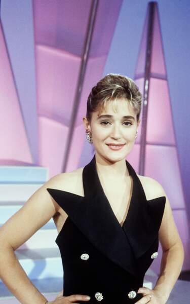 """1991-1992 : Daniela Lumbroso présente """"Question de Charme"""" sur Antenne 2"""