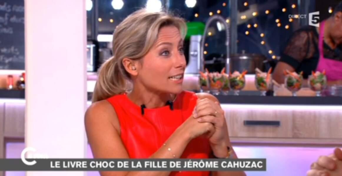 On aime aussi la robe en cuir rouge d'Anne-Sophie Lapix
