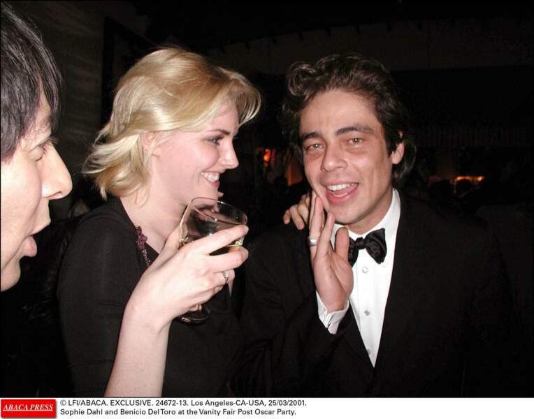 La même Sophie et Benicio en 2001 lors de la soirée Vanity Fair après les Oscar