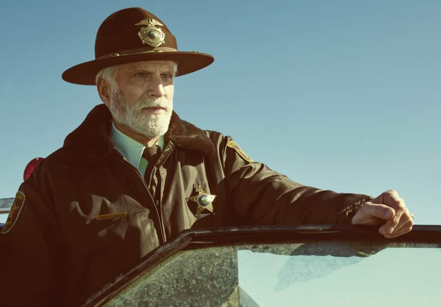 Le shérif doit admettre que sa petite ville n'est pas si tranquille...