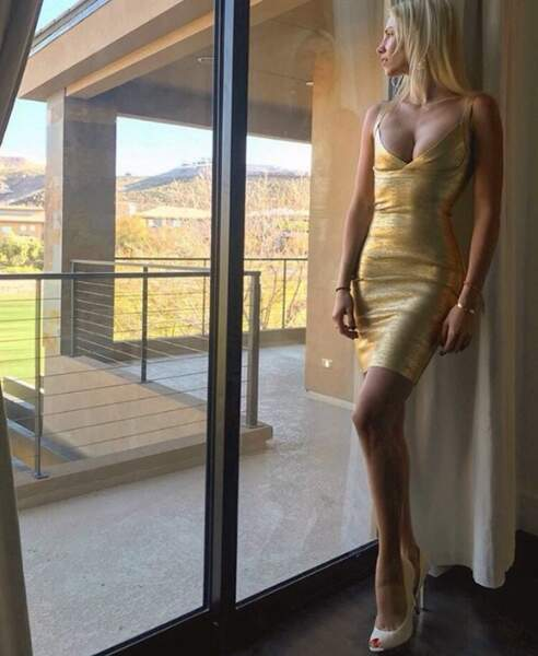 Alexandra Rosenfeld a sorti la robe la plus bling-bling de sa penderie.