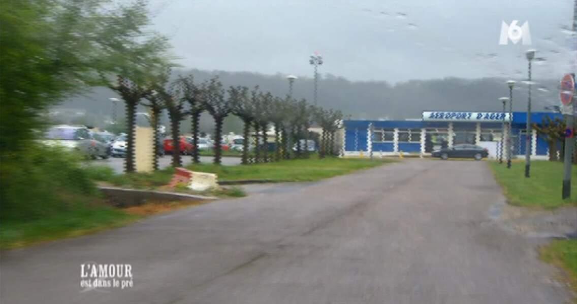 Point aéroport : il existe un aéroport à Agen et il est ENORME ! Attention à ne pas se perdre !