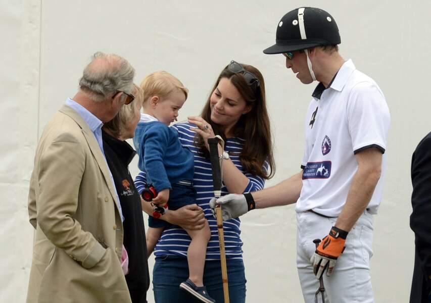 Juin : Baby George fait son show lors d'un match de Polo de papa. Craquant !