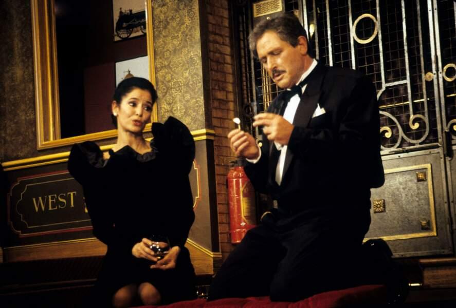 Il joue Voisin Voisine au théâtre avec Marie-Jose Nat (1985)