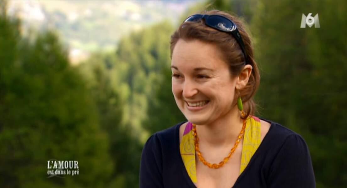 Après deux mecs, Karine part à la rencontre d'Audrey, très souriante... mais un peu crispée quand même