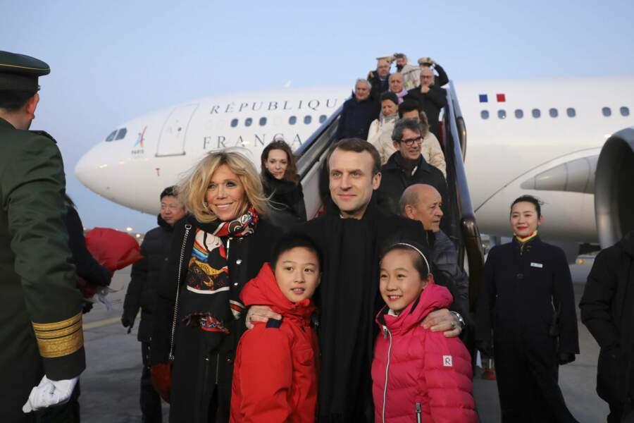 À leur arrivée à Pékin, les Macron ont pu constater l'étendue de leur popularité