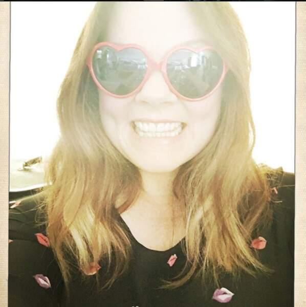 Une fan de mode on vous dit... et de lunettes de soleil en tout genre !