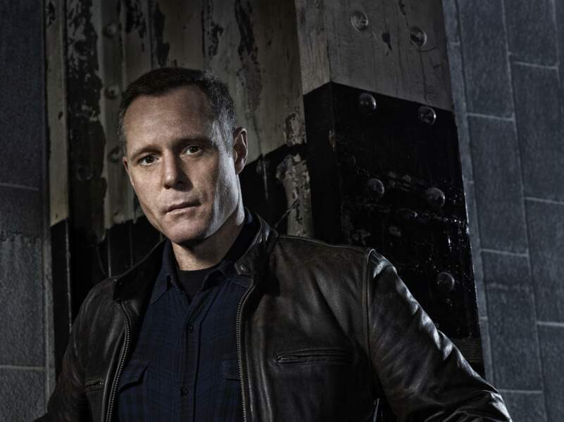 "Jason Beghe joue le sergent Henry ""Hank"" Voight dans Chicago Police Department"