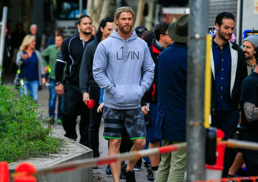 Chris Hemsworth, beau gosse en toutes circonstances