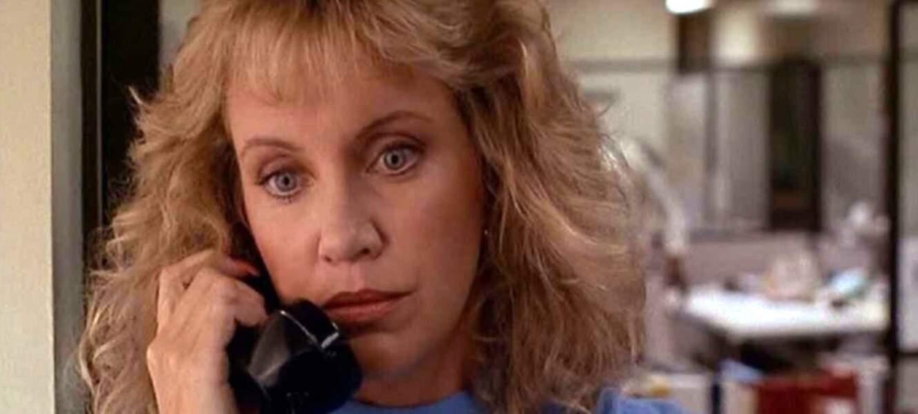 La blonde Mary Ellen Trainor recueillait les confidences de Riggs, dans la peau de la psychologue Stephanie Woods.