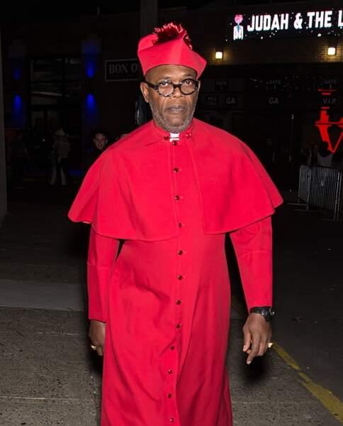 Samuel L. Jackson, lui, s'est habillé en cardinal pour la fête de M. Night Shyamalan à Philadelphie