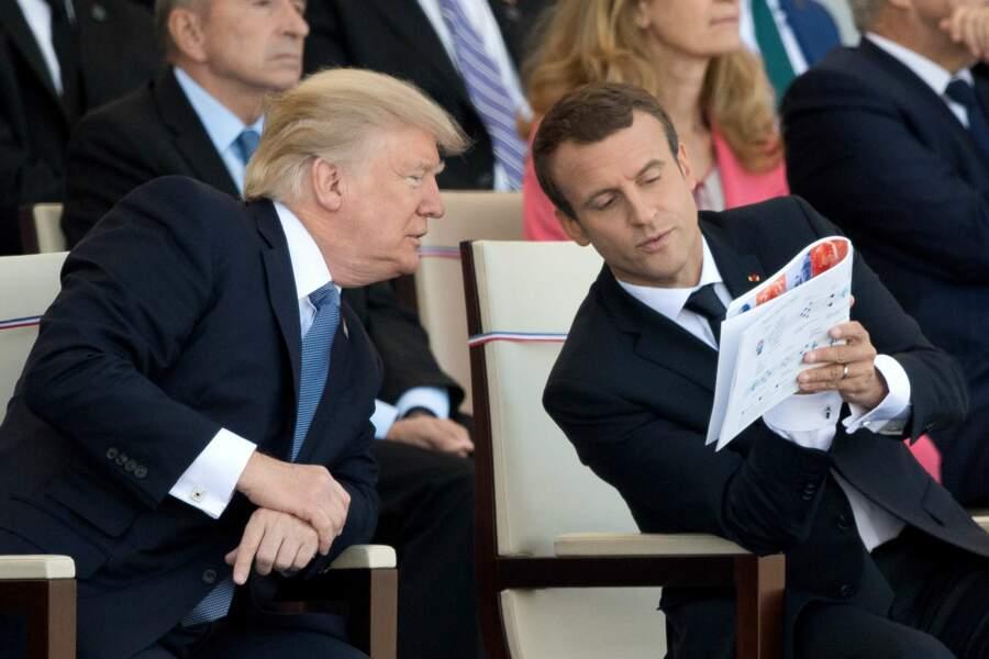 Oh et puis si ! On ose ! Emmanuel Macron a fait découvrir Télé-Loisirs à Donald Trump (hi hi)