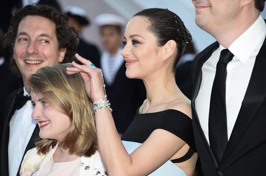Marion Cotillard lors de la montée des marches pour Le Petit Prince, au 68ème Festival de Cannes, le 22 mai 2015