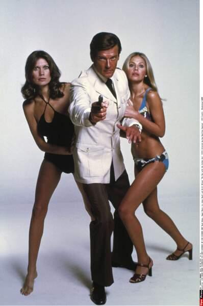 Flegmatique, tombeur et plein d'humour, Roger Moore a tenu le flambeau de 1973 à 1983, soit 6 films
