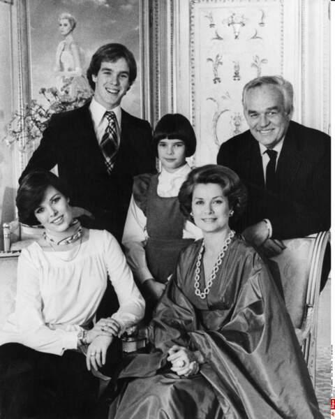 Dans la famille Grimaldi, elle n'en a que pour son frangin et son papa !