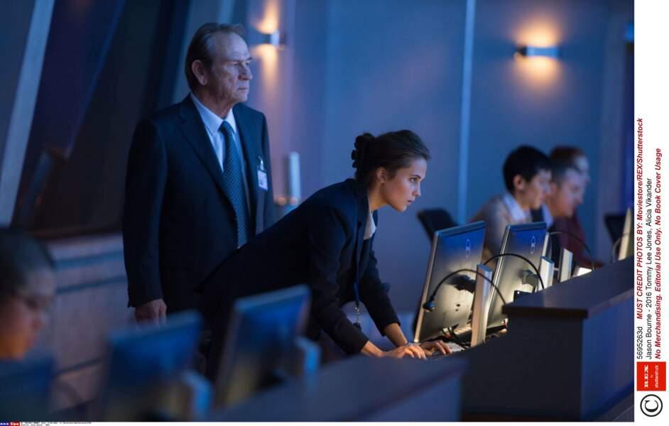 Agent de la CIA dans le dernier Jason Bourne où Matt Damon reprend du service (2016)