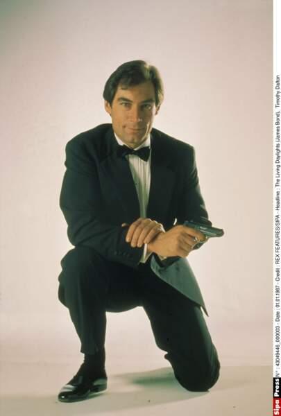 Timothy Dalton a joué dans Tuer n'est pas jouer (1987) et Permis de tuer (1989)