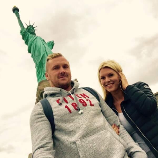 Ils voyagent beaucoup ensemble (ici à New-York).