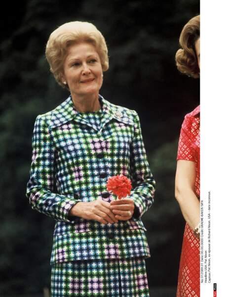Pat Nixon (1969/1974) est la première First Lady à énormément voyager à travers le pays et le monde