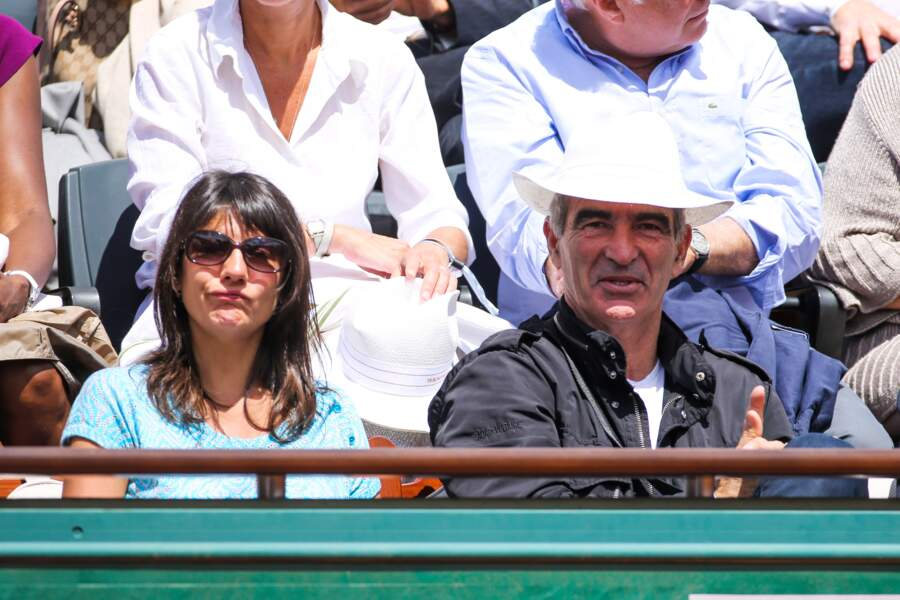 Estelle Denis et Raymond Domenech sont à fond dans le match
