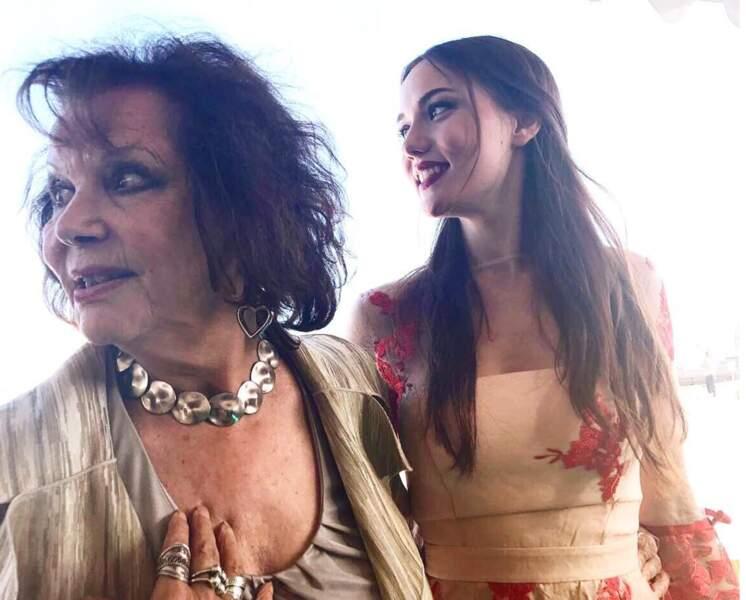 Et voici la grande Claudia Cardinale avec l'actrice turque Fahriye Evcen