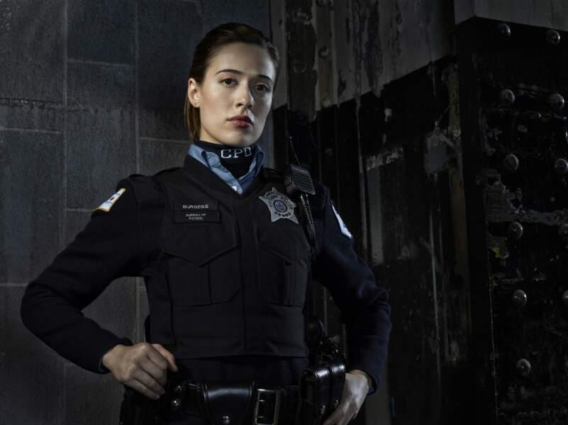 Marina Squerciati joue l'officier Kim Burgess dans Chicago Police Department