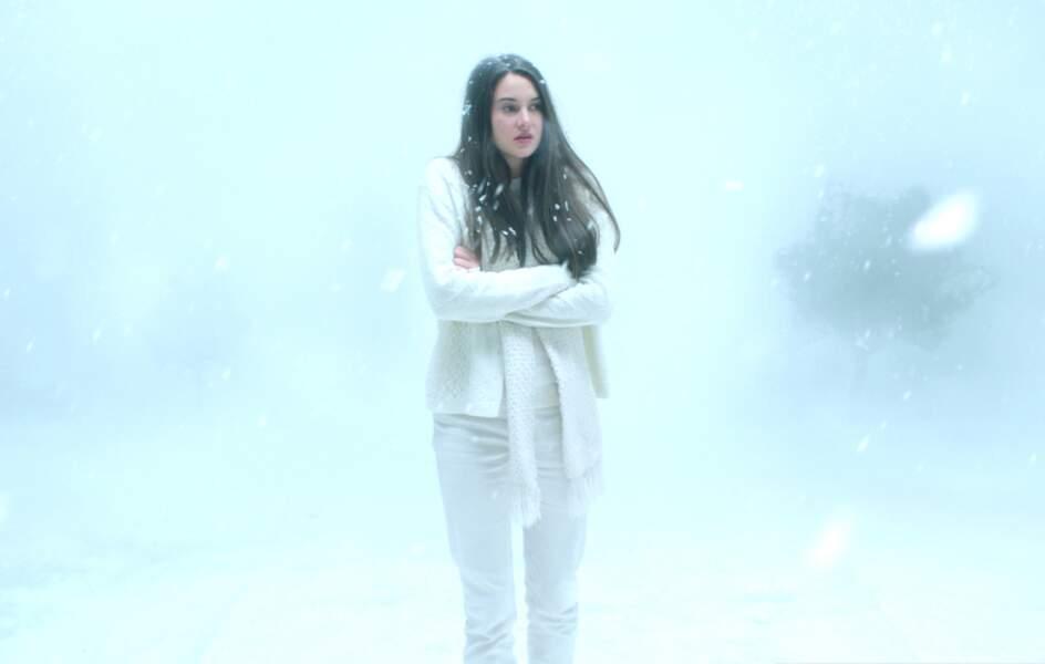 """Elle joue également dans """"White Bird"""" et cherche à comprendre la disparition de sa mère,"""