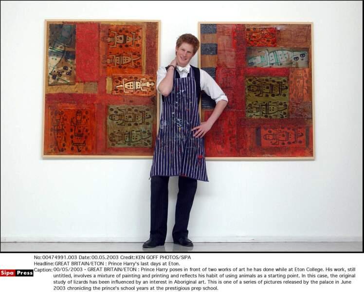 Harry devant une de ses oeuvres à Eton College