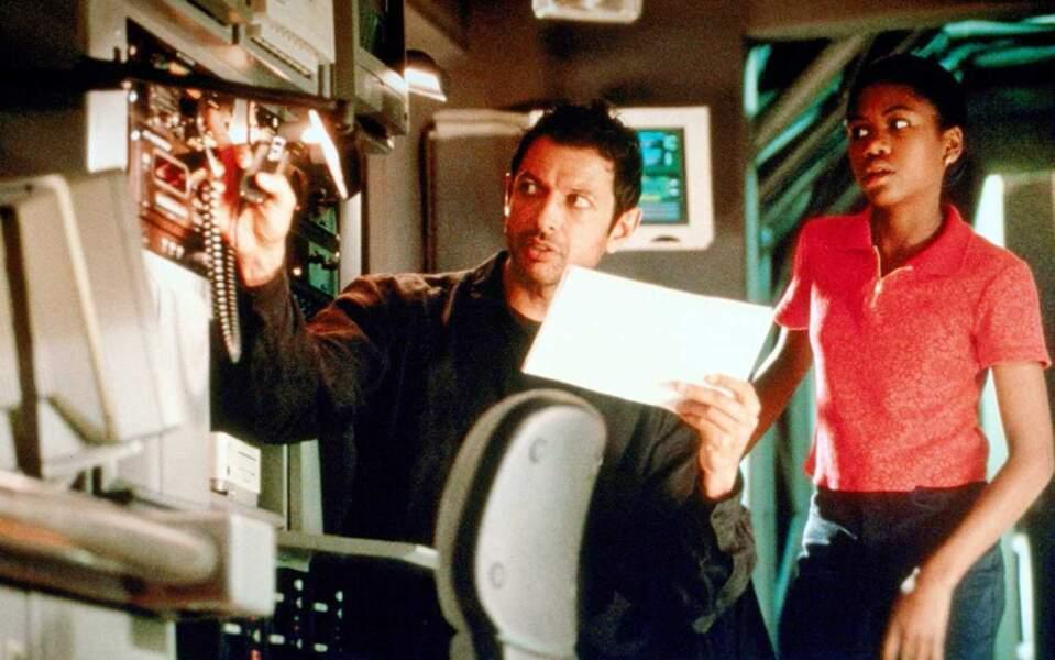 Fille de Ian, Kelly suit son père dans ses recherches sur les dinos... à ses risques et périls.