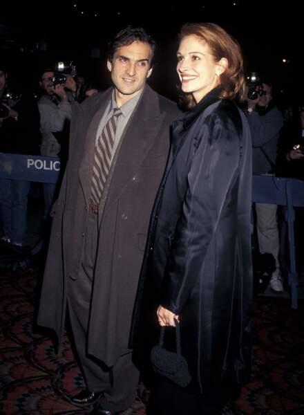 Octobre 1996 : elle sort avec Pat Manocchia, l'expert reconnu dans le domaine du fitness et de la santé.