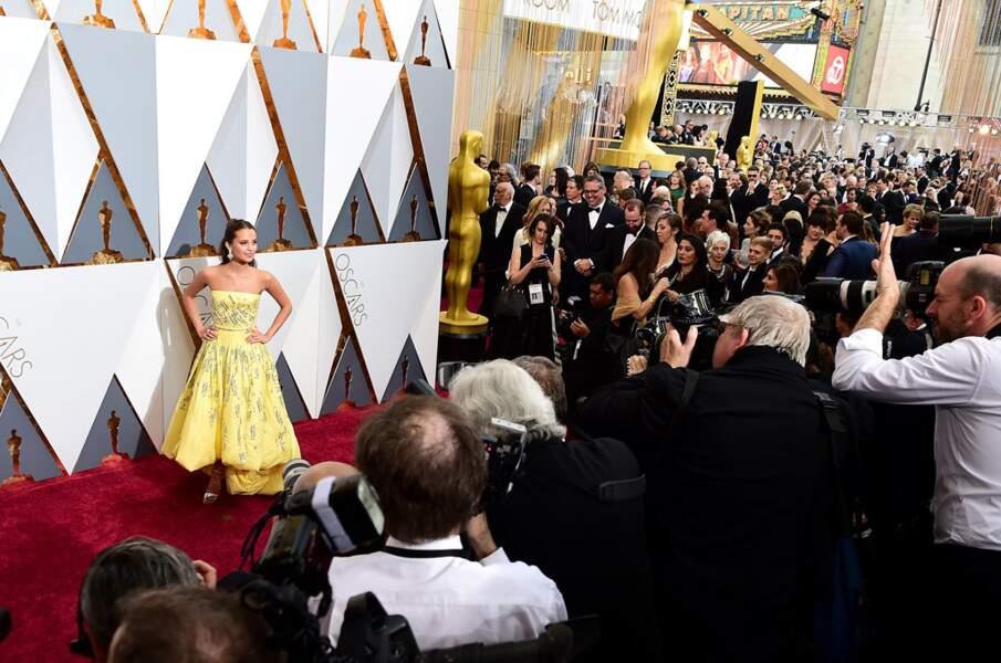 Il y a foule pour photographier l'actrice !