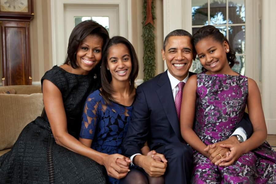 Avec sa femme Michelle et ses filles Malia et Sasha, Barack Obama prend la pose fin 2011