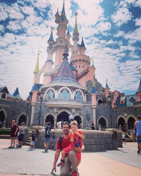 Alex Goude et son fils Elliot se sont rendus chez Mickey.