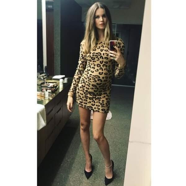 Et la future maman Behati Prinsloo a sorti la robe léopard !