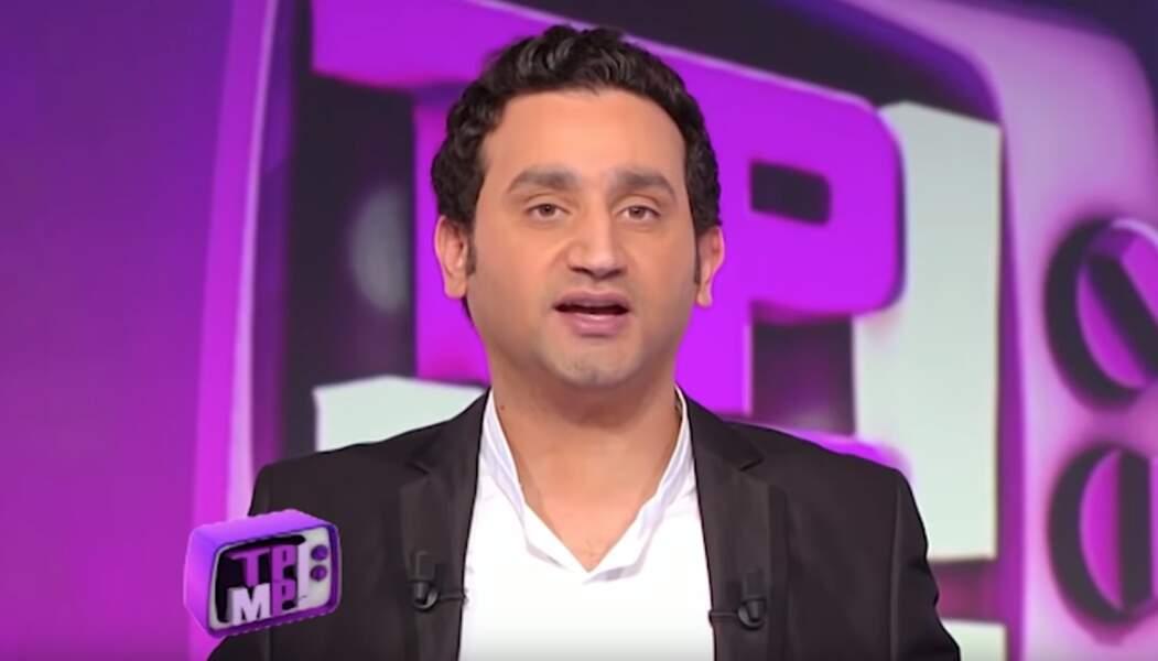 Le 1er avril 2010, Cyril Hanouna présente la première de Touche pas à mon poste ! sur France 4