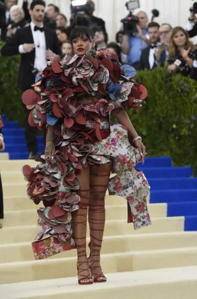 Rihanna : palme de la tenue la plus WTF.